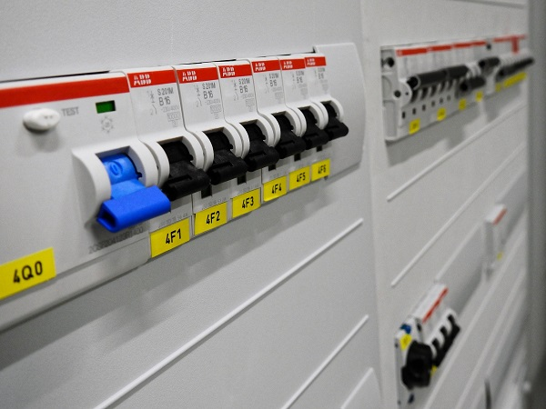 Priebeh elektroinštalácie v Bratislave